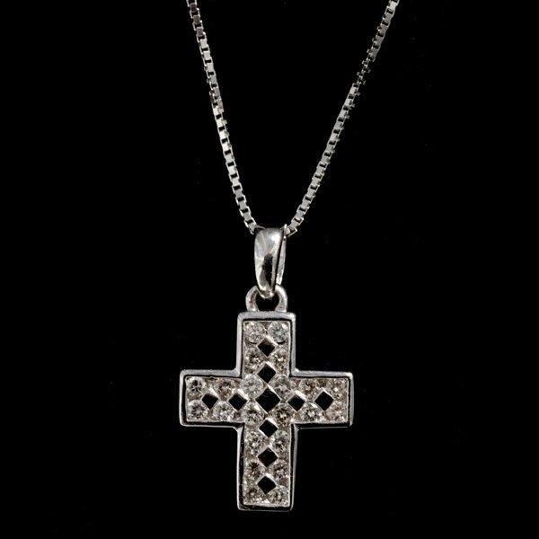 16: DIAMOND, 14K WHITE GOLD CROSS PENDANT NECKLACE