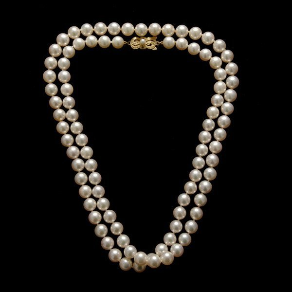 14: MIKIMOTO CULTURED PEARL, 18K YELLOW GOLD NECKLACE