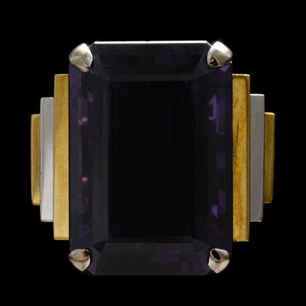 1007: AMETHYST, 14K YELLOW AND WHITE GOLD RING.