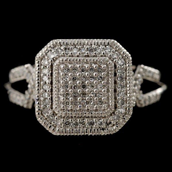 1023: DIAMOND, 14K WHITE GOLD RING.