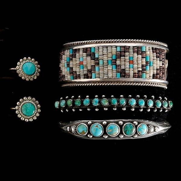 7: COLLECTION OF TURQUOISE, BEAD, SILVER JEWELRY.