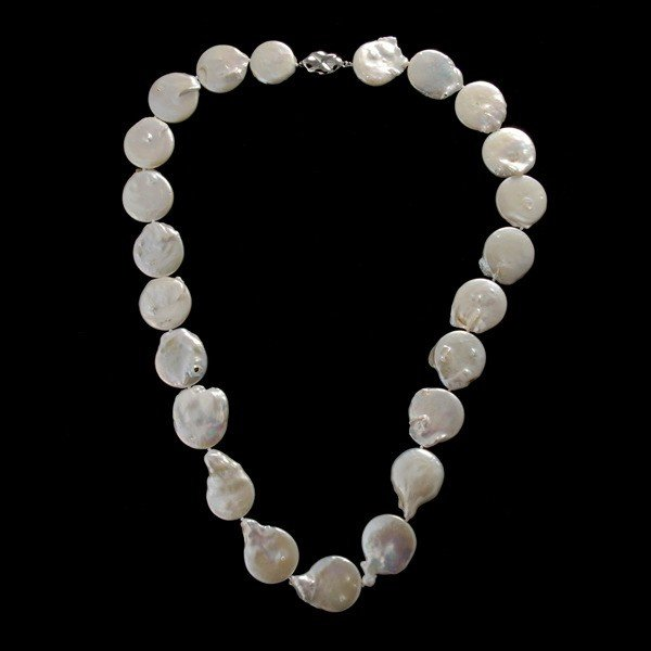 14: CULTURED PEARL, METAL NECKLACE.