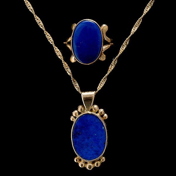 21: COLLECTION OF TWO LAPIS LAZULI, YELLOW GOLD ITEMS