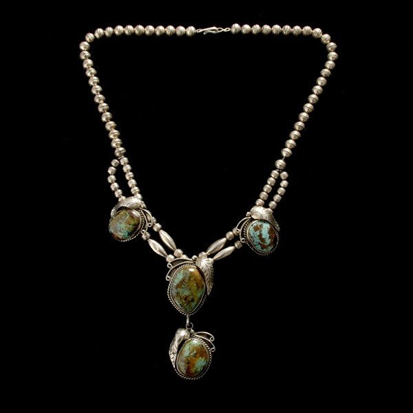 17: NATIVE AMERICAN TURQUOISE SILVER NECKLACE