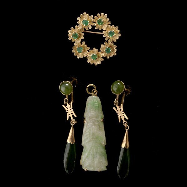 14: THREE NEPHRITE, JADE, CHALCEDONY 14K ITEMS