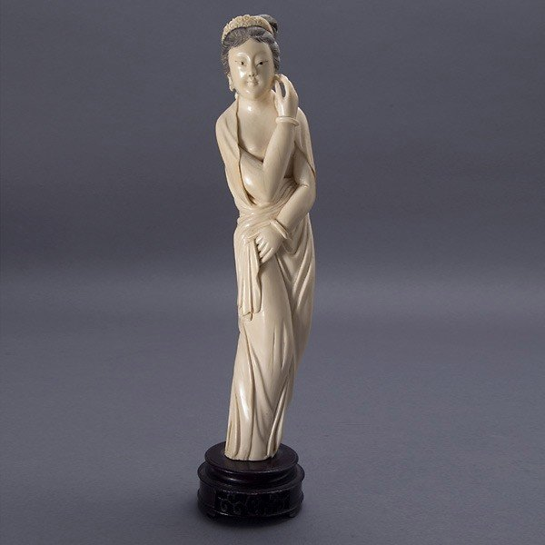 2003: An Ivory Carving of a Standing Beauty*