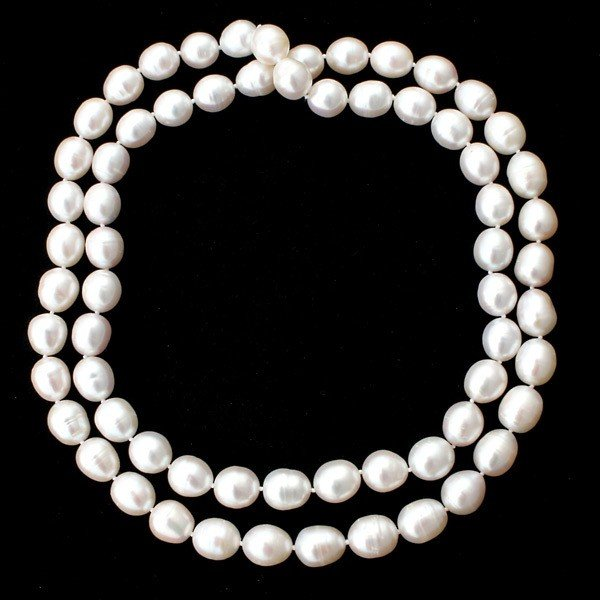 15: CULTURED PEARL NECKLACE.