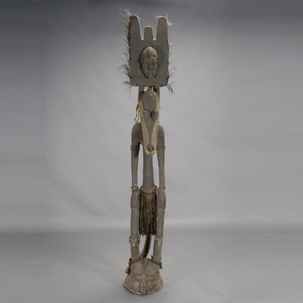 1013: Large Sepik river ancestor figure