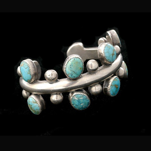 7: AMERICAN INDIAN SILVER, TURQUOISE BRACELET.