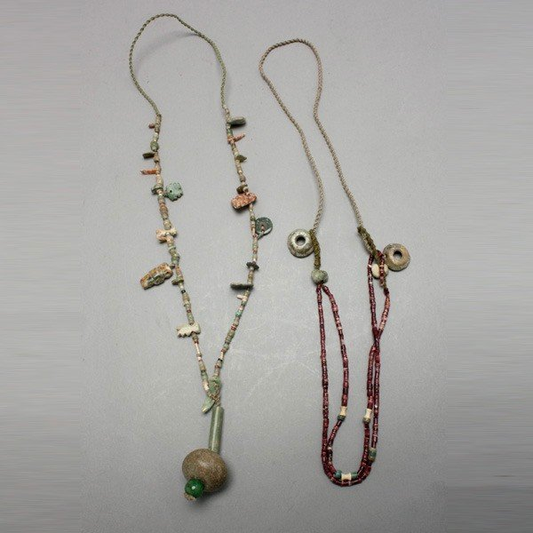 1007: 2 strands of pre-columbian necklaces