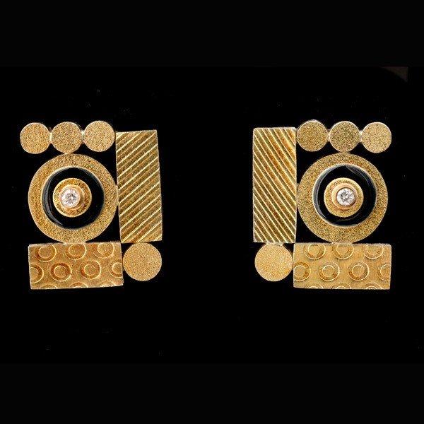 13: PAIR OF DIAMOND, ENAMEL, SILVER-GILT EARRINGS.