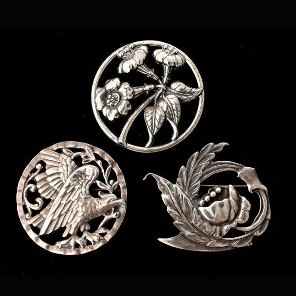 17: 3 STERLING SILVER, SILVER BROOCHES.