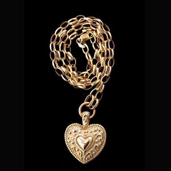 90: 14K YELLOW GOLD HEART NECKLACE.