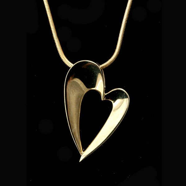 96: 14K YELLOW GOLD HEART PENDANT-NECKLACE.