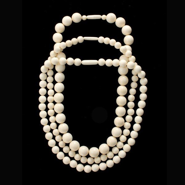 5: COLLECTION OF THREE IVORY BEAD NECKLACES.