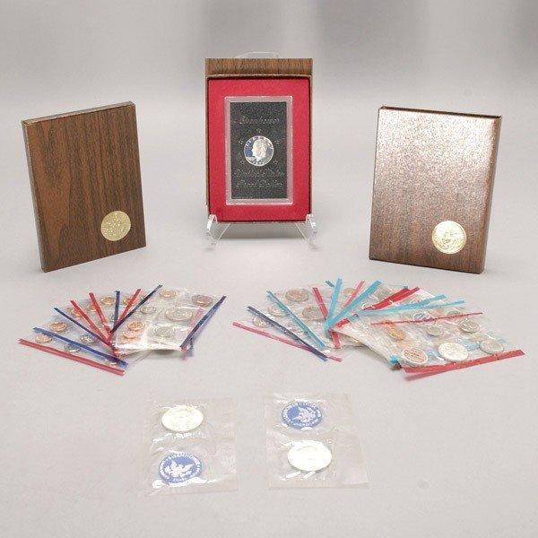 1148: Nineteen U.S. Uncirculated Mint Sets (1962-1994).