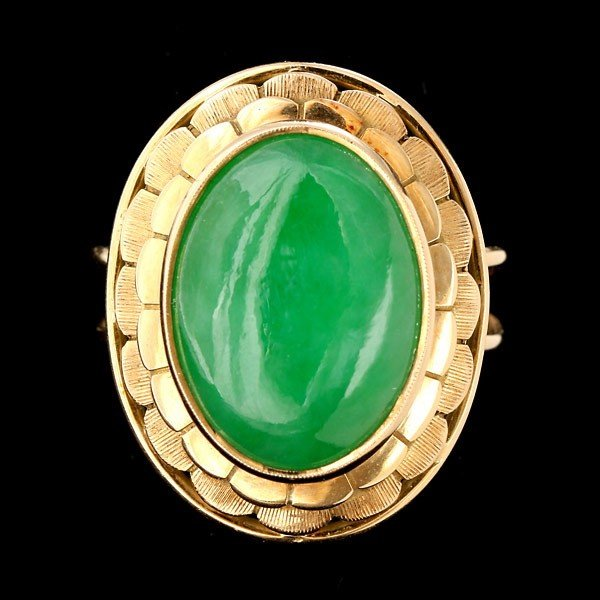 178: JADE, 18K YELLOW GOLD RING.