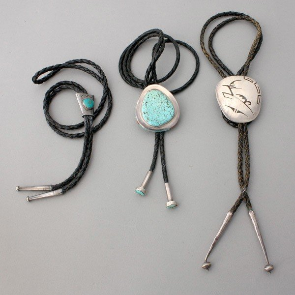 16: TURQUOISE, CORAL, SILVER, METAL, LEATHER BOLO TIES.