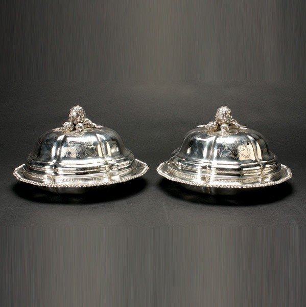 1186: Pair of Victorian Sterling Covered Entree Dishes