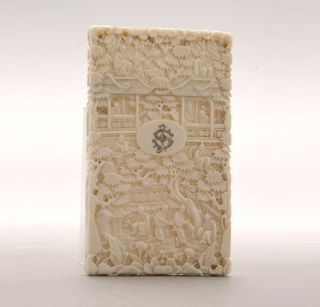 6020: A Carved Ivory Card Case*, Late 19th Century