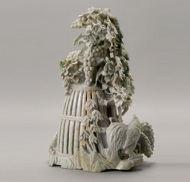 6082: A Large Jadeite Carving
