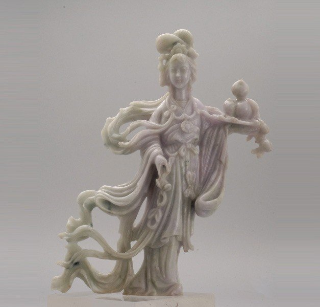 6088: A Jadeite Carving of a Beauty