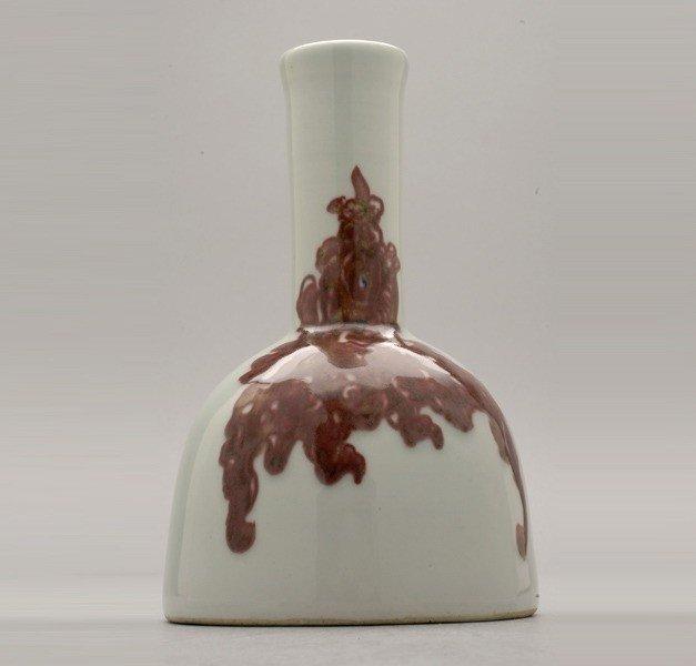 6199: An Underglaze Copper-Red Mallet Vase