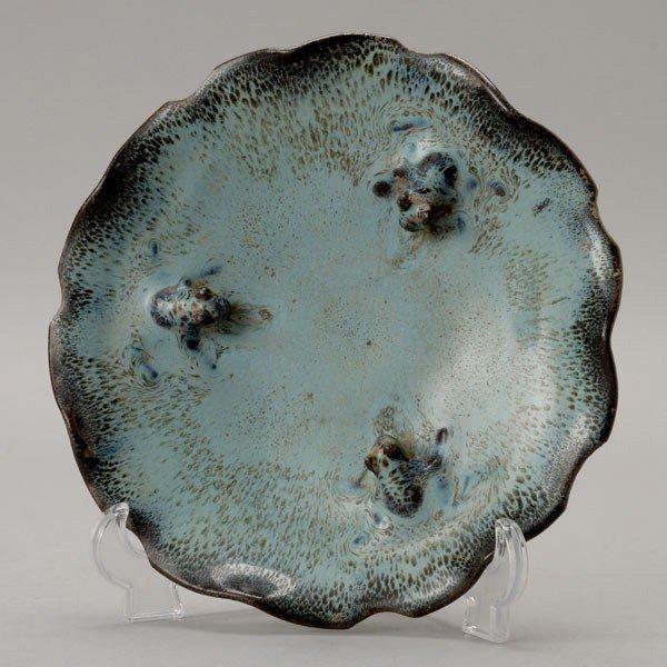 6202: A Leaf-Form Stoneware Basin