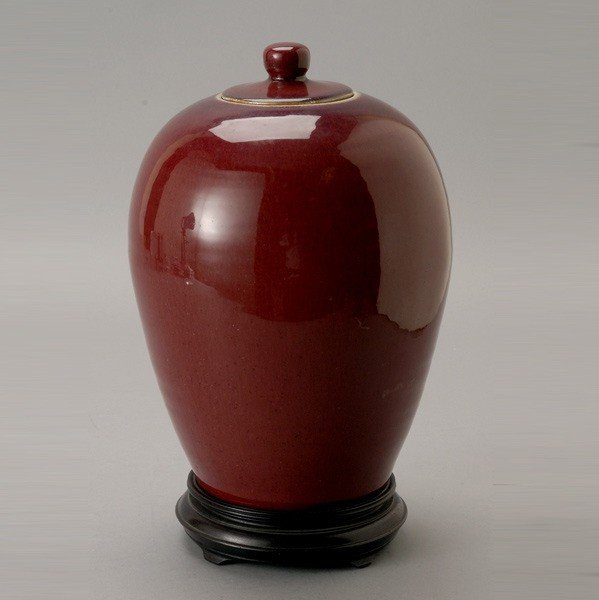 6204: A Chinese Ox-Blood Jar with Lid, Qing