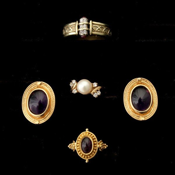 24: COLLECTION OF MULTI-STONE, DIAMOND, GOLD JEWELRY.