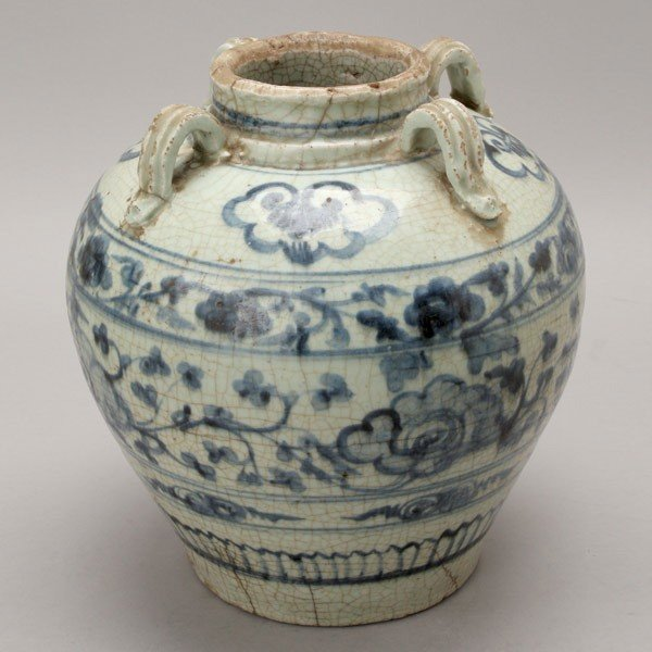 237: A Large Blue and White Ceramic Jar, 14th/15th C