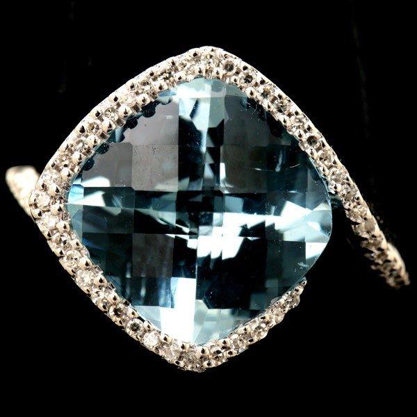 12: BLUE TOPAZ, DIAMOND, 14K WHITE GOLD RING.