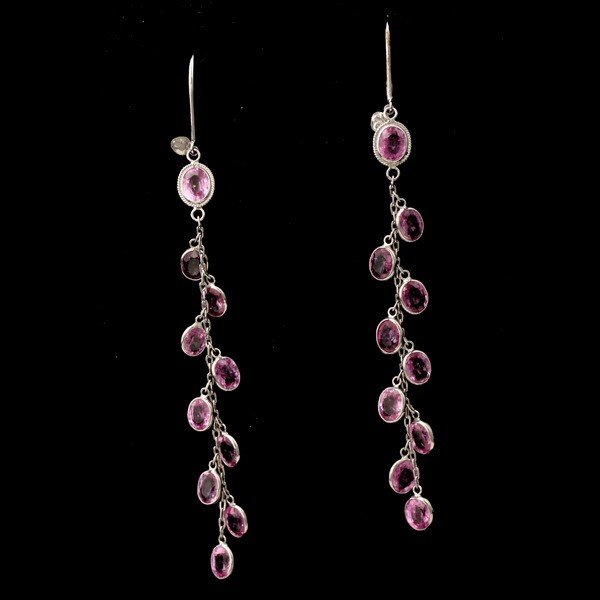 13: PAIR OF PINK SAPPHIRE, 18K WHITE GOLD EARRINGS.