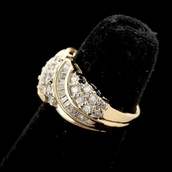 79: DIAMOND, 14K YELLOW GOLD RING. - 2