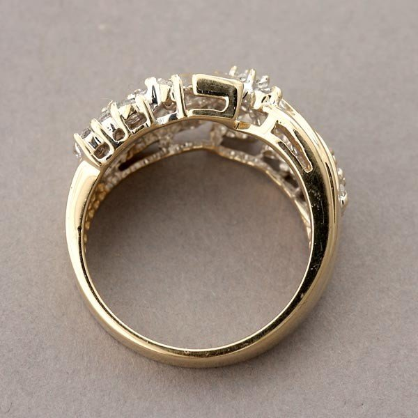 79: DIAMOND, 14K YELLOW GOLD RING. - 3