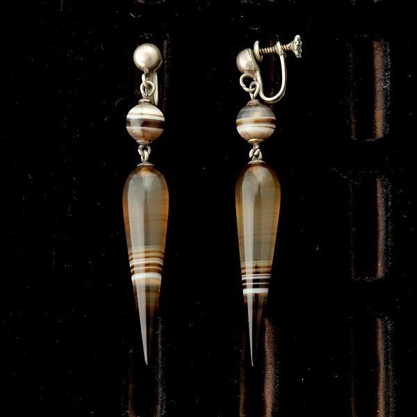 181: VICTORIAN AGATE, SILVER JEWELRY SUITE. - 3