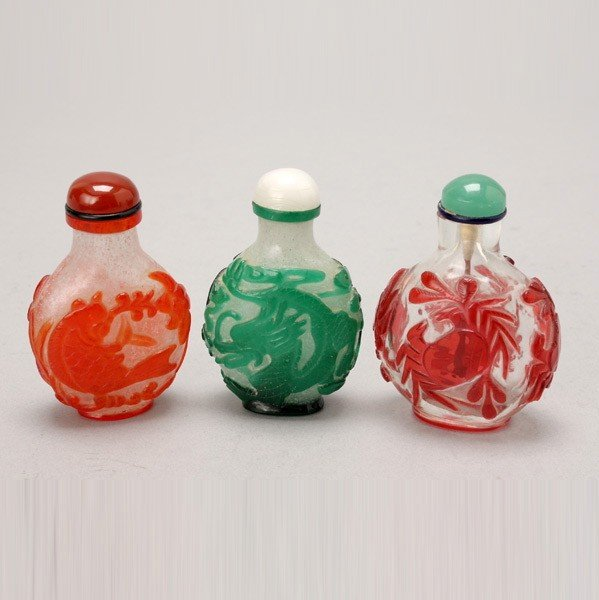 327: Three Color Overlay Glass Snuff Bottles
