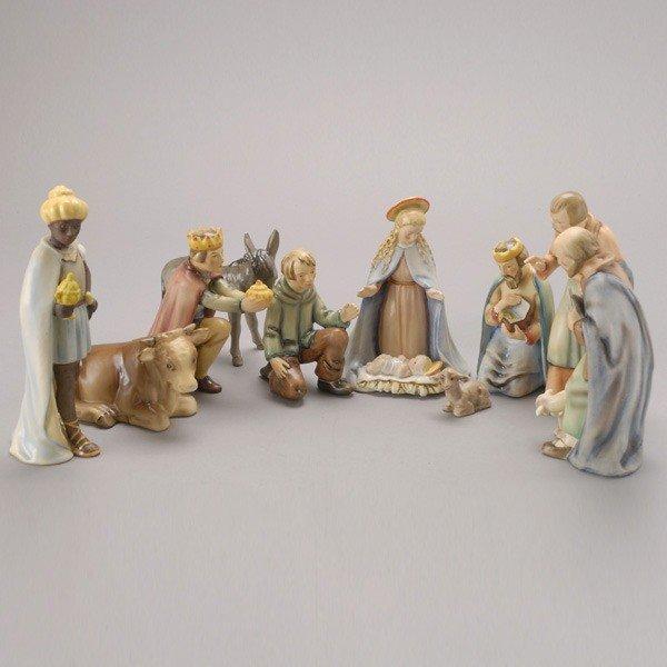 585: Goebel Ten Piece Porcelain Nativity Set, bee V mar