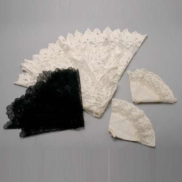 1014: Four Lace Parasol Covers and Lamp Covers