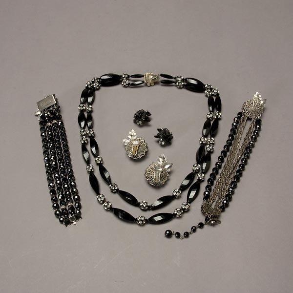 1022: Assortment of Alice Caviness and DeMario Jewelry - 5