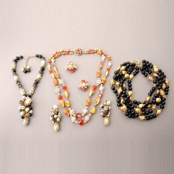 1034: Costume Jewelry Suite of Necklaces and Earrings