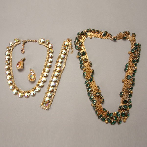 1039: Group of Vintage Costume Jewelry
