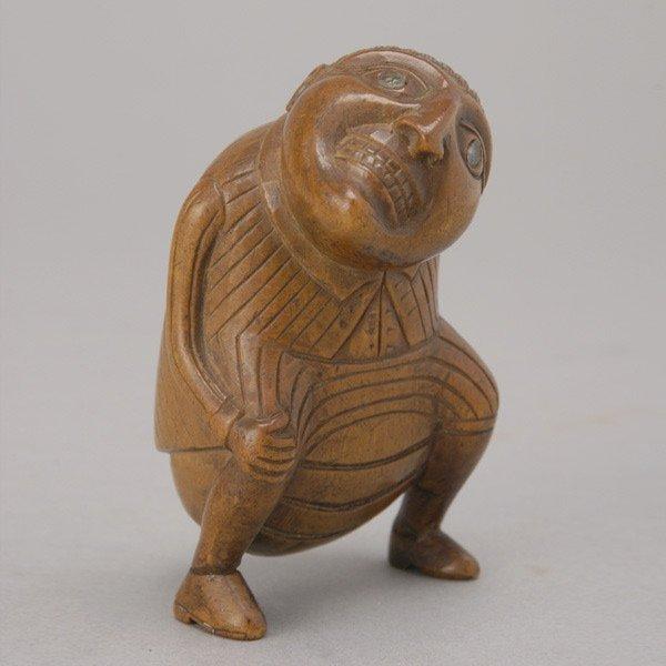 1021: Continental Fruitwood Figural Snuff Box