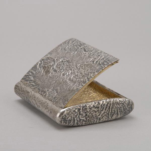 1090: Russian Reticulating 84 Silver Cigarette Case