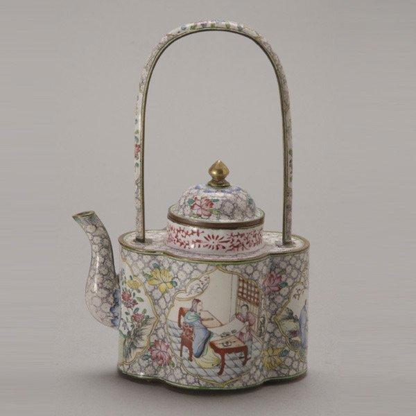 8147: A Canton Enamel-Painted Wine Pot, Qianlong
