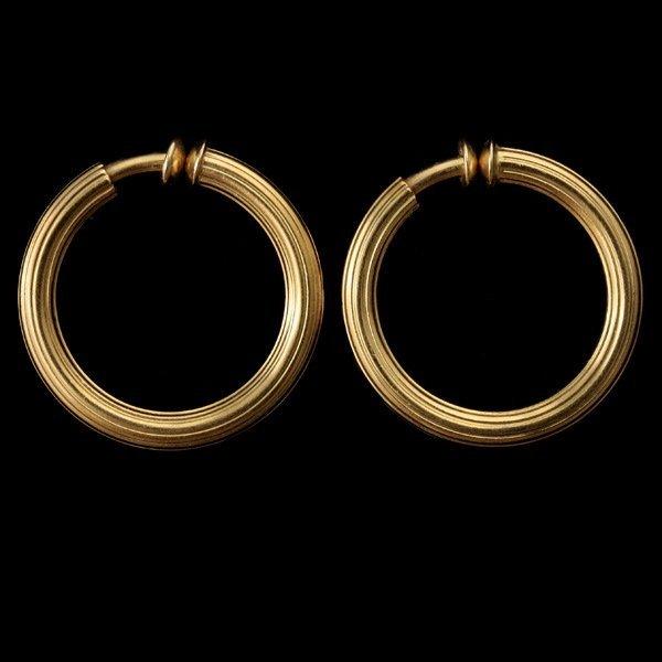 3131: PAIR OF 18K YELLOW GOLD HOOP EARRINGS.