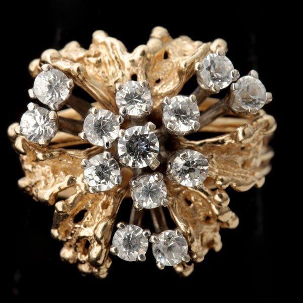 3132: DIAMOND, 14K YELLOW GOLD RING.