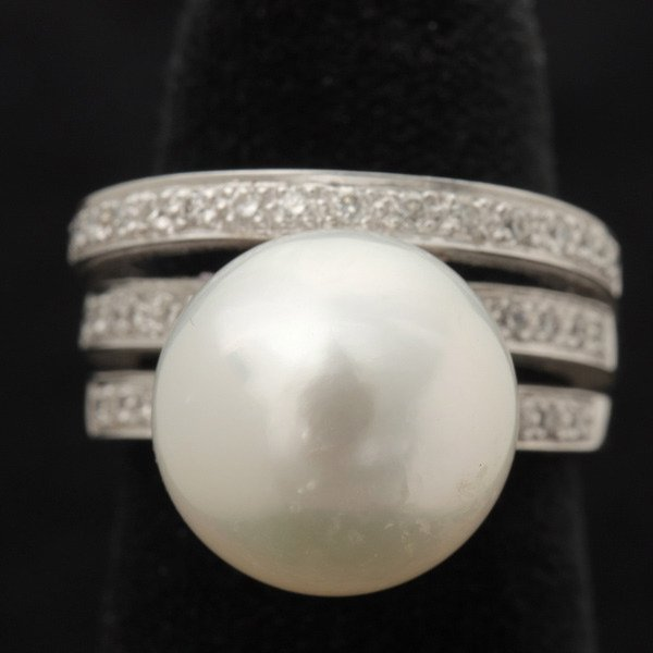 3140: CULTURED PEARL, DIAMOND, 14K WHITE GOLD RING.