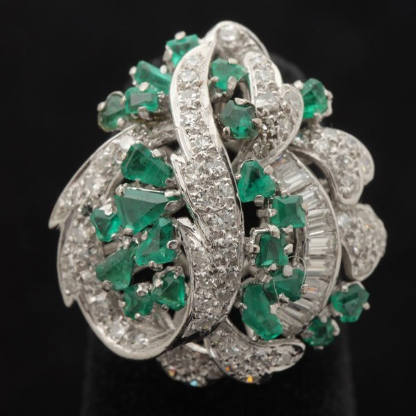 3141: EMERALD, DIAMOND, 14K WHITE GOLD RING.