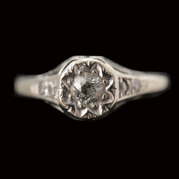 328: DIAMOND, 14K WHITE GOLD RING.